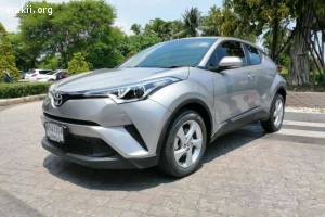 Toyota CH-R 1.8 entry AT สีเทา ปี 2018 ไมล์ 6,200 km