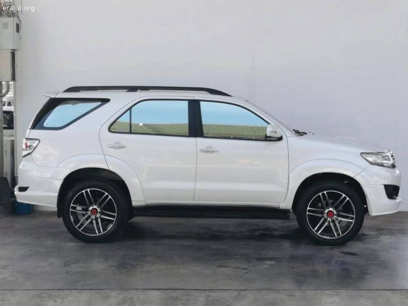 Toyota Fortuner 3.0V 2WD ปี 2012 ไมล์ 153,xxx Km